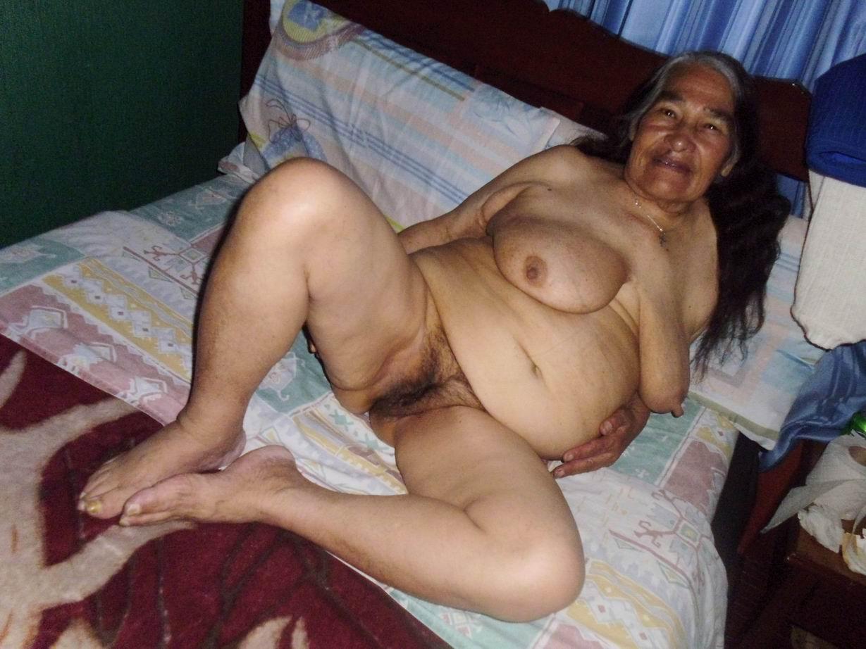порно фото бабушки з большими попами сосвоими внуками