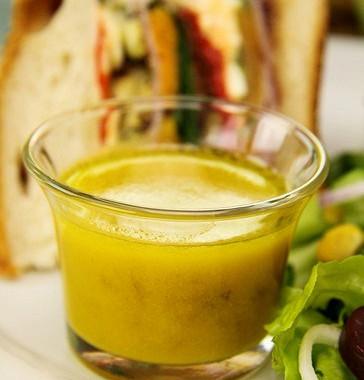 Рецепт Апельсиновая салатная заправка смаслом грецкого ореха
