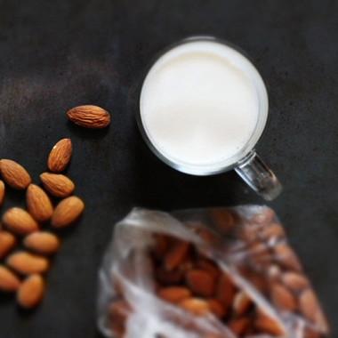 Рецепт Быстрое миндальное молоко