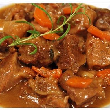 Рецепт Тушеная говядина сморковью илуком
