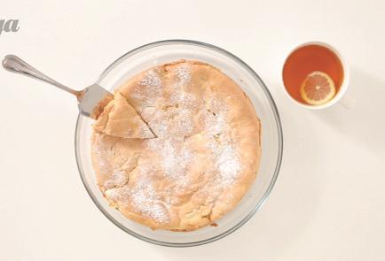 Фото приготовления рецепта: Классическая шарлотка - шаг 4