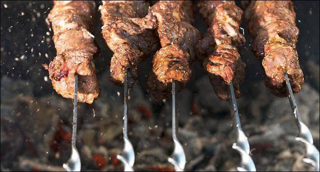 Шашлыки и гриль: 10 надежных рецептов