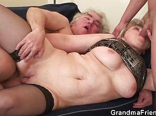 Clit massage massive squirt moan