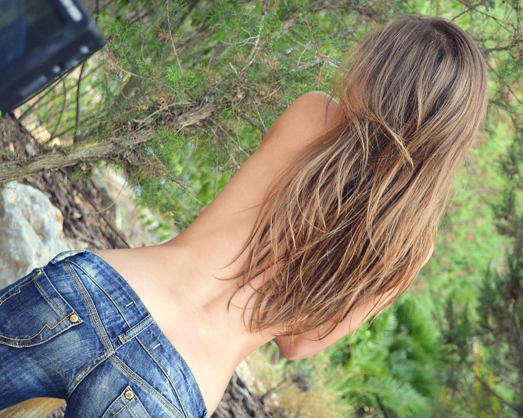 Шатенки с красивыми волосами со спины