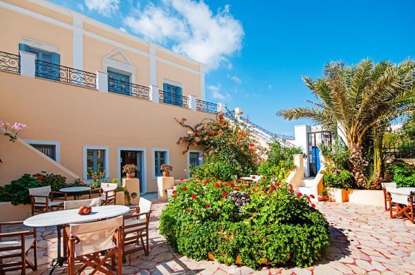Дом в остров Пиргос в деревне недалеко от моря
