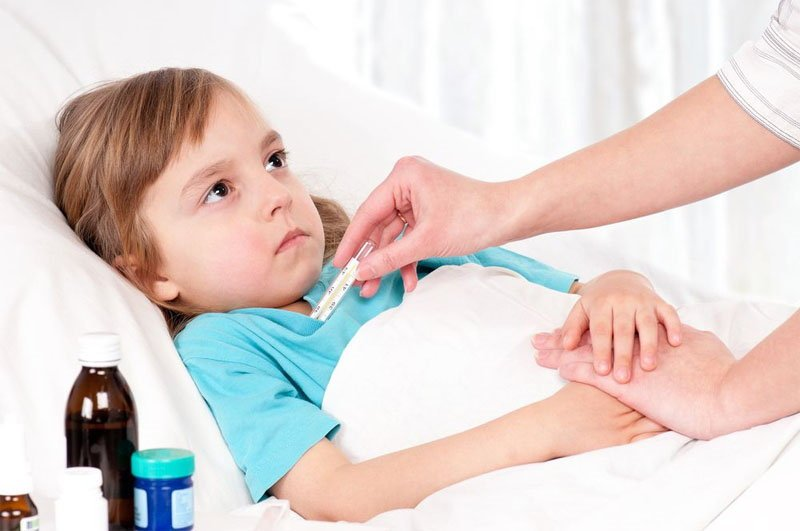 Болит живот, высокая температура, понос, рвота у ребенка